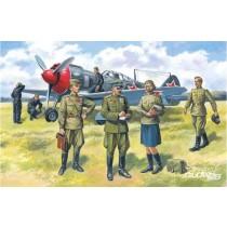 ICM_48084_Pilotes_Sovietiques_et_Personnel_au_Sol_1-48