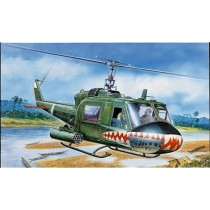 Italeri_050_UH-1C_GUNSHIP