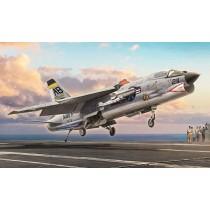 Italeri_1456_F-8E_Crusader_1-72