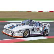 Italeri_3639_Porsche_935_Baby