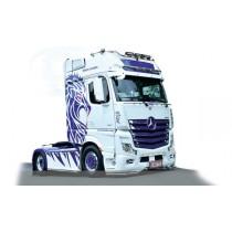 Italeri_3935_Mercedes-Benz_Actros_MP4_Show_Truck