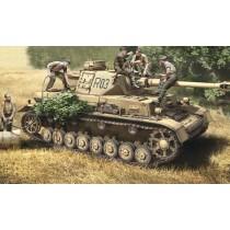 Italeri_6548_Panzer_IVF1-F2_et_Troupe