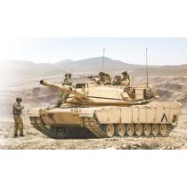 Italeri_6571_M1A1_Abrams_et_Equipage