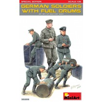 MiniArt_35256_Soldats_Allemands+Bidons_Carburant