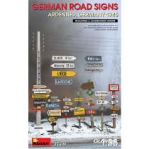 Miniart_35609_German_Road_Signs_WW2_1-35