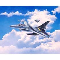 Revell_03905_F-16_Mlu_100th_Anniversary