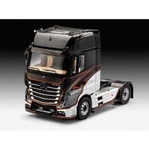 Revell_07439_Mercedes_Benz_Actros_MP4