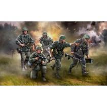 Zvezda_6270_Panzergrenadiers_1-72