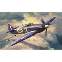 Zvezda_7322_Hurricane_Mk.IIc_1-72
